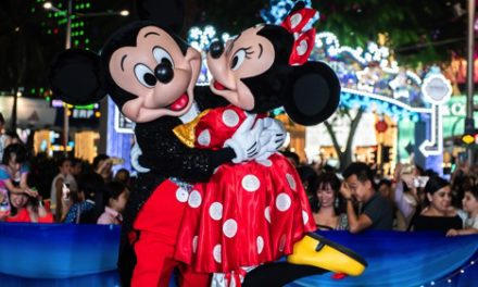 CELEBRATE CHRISTMAS ON A GREAT STREET 2018 WITH DISNEY MAGICAL MOMENTS
